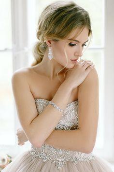 Kolekcja 2018 NOVIA BLANCA Wedding Dresses, Fashion, White People, Boyfriends, Bride Dresses, Moda, Bridal Gowns, Fashion Styles