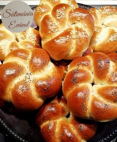 Croissant Bread, Homemade Dinner Rolls, Sweet And Salty, Creative Food, Scones, Bread Recipes, Hamburger, Bakery, Cooking