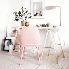 Cute Little Desk Space for a Home Office