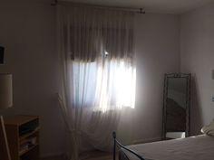 tende bianche in lino per camera da letto