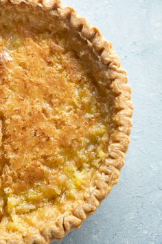 This Homemade Coconut Pie recipe is a family favorite passed down for generations. This sweet pie is easy to make and always a crowd pleaser! This old fashioned homemade coconut pie requires just a few simple ingredients and bakes in just 35 minutes! Coconut Recipes, Tart Recipes, Sweet Recipes, Coconut Pie Recipe Easy, Pastry Recipes, Köstliche Desserts, Delicious Desserts, Dessert Recipes, Yummy Food