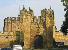 alnwick england medieval | And where Henry de Percy brought the family influence and wealth, his ...