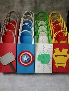 Inspire your Party ® Avengers Birthday, Superhero Birthday Party, 6th Birthday Parties, Birthday Party Decorations, Boy Birthday, Party Themes, Super Hero Birthday, Party Ideas, Birthday Ideas