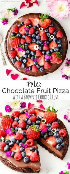 This Paleo Chocolate Fruit Pizza with a Brownie Cookie Crust is a decadent yet healthy dessert recipe. A layer of silky-smooth chocolate topping is slathered over an irresistibly chocolatey crust that's a cross between a brownie and a cookie and topped w Paleo Fruit, Paleo Dessert, Healthy Dessert Recipes, Gluten Free Desserts, Fruit Recipes, Baking Recipes, Whole Food Recipes, Delicious Desserts, Yummy Food