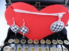Un preferito personale dal mio negozio Etsy https://www.etsy.com/it/listing/490268420/parure-orecchini-collana-con-ciondolo
