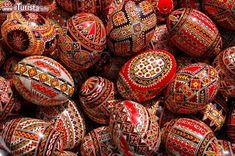 L'Europa è conosciuta soprattutto per la tradizione dei mercatini di Natale, che s'incontrano a migliaia ...