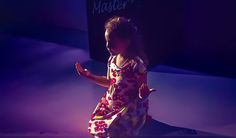 Marrie em seu tempo de entrega ao Senhor Jesus ensina a criança no caminho que deve andar e quando adulta não se desviará dele. Prov. 22:6