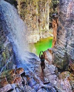 """""""Canyons do Lago de Furnas, Capitólio, Minas Gerais, Brasil. Foto de @mariadiasneiva via…"""""""