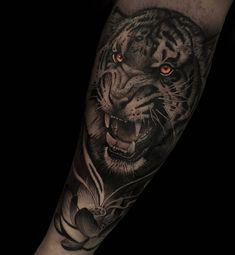 Tiger Tattoo - All Fashion Ideas Here! Tiger Tattoo Sleeve, Big Cat Tattoo, Arm Sleeve Tattoos, Tattoo Sleeve Designs, Forearm Tattoos, Body Art Tattoos, Dragon Tattoos For Men, Wrist Tattoos For Guys, Mother Tattoos