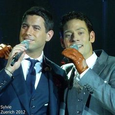 "Too hot for gloves today dear Urs! But a hot couple of talented guys to make your Friday go even better thanks ""Sylvie"" for sharing   #sebsoloalbum #teamseb #sebdivo #sifcofficial #ildivofansforcharity #sebastien #izambard #sebastienizambard #ildivo #ildivoofficial #seb #singer #sebontour #band #musician #music #concert #composer #producer #artist #french #handsome #france #instamusic #amazingmusic #amazingvoice #greatvoice #teamizambard #positivefans"