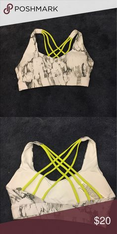 Sports bra that's never been worn, too small It has a nice back and really good material, padded as well Other