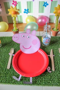 Peppa Pig Party - Just Add Confetti Let's jump in muddy puddles! This Peppa Pig party is full of ideas and inspiration—foods, easy decor, and free printables! It's oinktastic! Tortas Peppa Pig, Fiestas Peppa Pig, Cumple Peppa Pig, Peppa Pig Cakes, Peppa Pig Pinata, Peppa Pig Balloons, Peppa Pig Birthday Decorations, Peppa Pig Birthday Cake, Kids Party Decorations