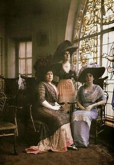 "boxofdelights: ""Three Edwardian Women Clementine """