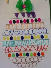 * Eieren met een opdracht: Maak het rijtje paasei-plakkertjes af. De open gebleven rijtjes vullen we in met een zelfbedacht patroon.