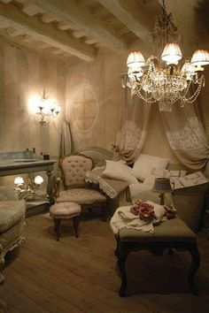 crystal-chandelier-french-decorating-ideas