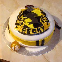 Hufflepuff Harry Potter cake