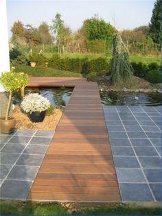 Idee voor terras naar veranda - via het moerasdeel. Steen, deels hout dat doorloopt.