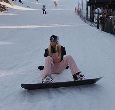 Winter in the Adirondacks – Enjoy the Great Outdoors! Burton Snowboards, Mode Au Ski, Snowboarding Style, Snowboarding Women, Snowboard Girl, Snow Outfit, Ski Season, Winter Pictures, Kitesurfing