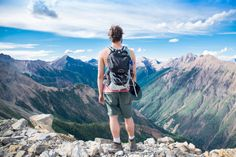 The Ultimate Guide to Backpacking. Backpacking is one of the best thing you could do to have one trip to remember! There are so much things Cheap Places To Travel, Places To Visit, Best Travel Backpack, Backpack 2017, Hiking Backpack, Voyager Loin, Excursion, South America Travel, Travel Memories