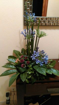 Discover thousands of images about Beautiful flower arrangement Contemporary Flower Arrangements, Tropical Flower Arrangements, Creative Flower Arrangements, Funeral Flower Arrangements, Beautiful Flower Arrangements, Altar Flowers, Church Flowers, Flowers Garden, Arte Floral