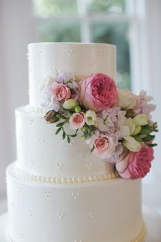 Wedding Cake | Flowers on Cake | Pearl Icing | White Simple Dainty Cake | Cake by Michelle's Patisserie | Caroline Joy Photography | Flowers by Verbena | Allan House | Austin Weddings | Pearl Events Austin