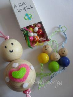 Verschillende maten gelukspoppetjes te koop in mijn shop op doormijvoorjou. Different kind of lucky dolls for sale in my shop doormijvoorjou