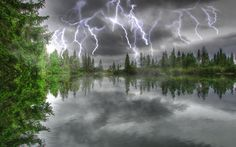 http://www.softsia.com/screenshots/amazing-thunderstorm-screensaver_vhfw.jpg thunderstorms, lightning, dreams, nature, aquariums, amaz, weather, beauti, lightn storm