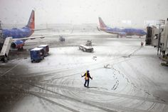 Snowstorm Disrupts Flight Operations across the US East Coast