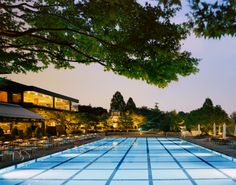 Come visit us and refresh your week at poolside barbeque. #grandhyattseoul #poolsidebarbeque