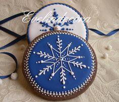 biscotti natalizi al cacao decorati con ghiaccia reale Evelindecora #Christmas #winter #cookies
