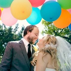 Here's how to find the perfect wedding colors for your personality! (Photo via Inspired by This)