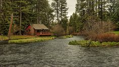 homeintheforest:  Cabin On The Metolius by Lone Rock on Flickr.