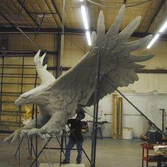Foam Carving, Eagle Statue, Sculpture Techniques, Eagle Art, Wood Carving Patterns, Animal Statues, Mural Wall Art, Bird Sculpture, Art Model