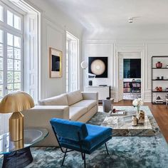 Novel Small Living Room Design and Decor Ideas that Aren't Cramped - Di Home Design Living Room Interior, Home Living Room, Home Interior Design, Living Room Designs, Living Room Decor, Living Spaces, Interior Paint, Nyc Decor, Home Decor