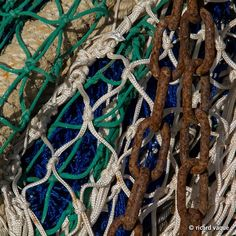 Rustly bronze chains and fishing nets Fishing Shack, Fishing Rod, Sea Storm, Flotsam And Jetsam, Am Meer, Macro Photography, Textures Patterns, Hand Knitting, Fish Nets