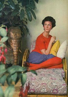Marella Agnelli, by Horst at the restored Villa Agnelli, 1967 Fashion Tips For Women, Fashion Advice, Slim Keith, Vintage Beauty, Vintage Fashion, Gianni Agnelli, Art Photography Portrait, Diana Vreeland, Vintage Mode
