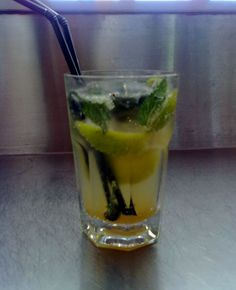 Incredible fresh and energy drink, this classic cocktail mojito recipe comes from Cuba. Cocktail Mojito is one of the more summer cocktails since 1980.
