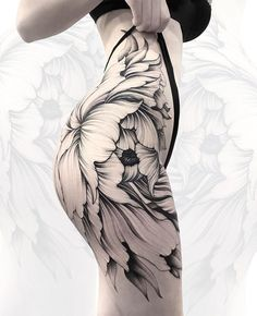 Beautiful floral side piece by Parvick, an artist based in Moscow, Russia. #beautytatoos