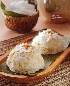 Ketan Urap Bubuk Kedelai Bahan : - 200 gram beras ketan, direndam 1 jam, dikukus - - 100 ml santan dari 1/4 butir kelapa - - 1/2 sdt ga...