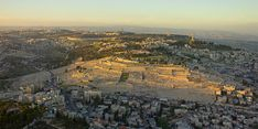 Wikipedia Picture of the day for December 25 2019 -- Sunset aerial photograph of the Mount of Olives in Jerusalem where it is said Jesus ascended into Heaven forty days after he was resurrected. Israel Travel, Egypt Travel, Israel Trip, Heiliges Land, Places To Travel, Places To Visit, Mount Of Olives, Visit Israel, Malteser