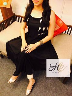 We are manufacturers of designer outfits Online orders🤳🤳 Sizes available S to No cod only bank transfer✅ Shipping worldwide✈ Dispatch time weeks📦 For booking WhatsApp or call at 8968922443 ⬅⬅ Salwar Designs, Kurti Neck Designs, Kurta Designs Women, Dress Neck Designs, Kurti Designs Party Wear, Blouse Designs, Salwar Dress, Anarkali, Kalamkari Dresses
