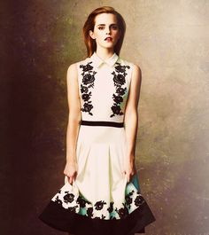 I like the dress , and i love her (EmmaWatson!)