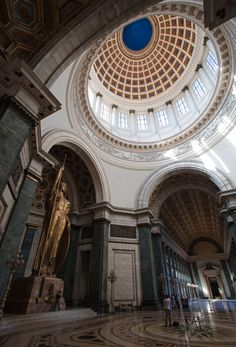 \\ El Capitolio - Havana, Cuba (I went to Havana in 1994)