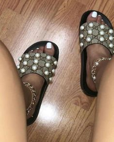 9d92867cb7d77c Gucci GG Supreme Slide With Pearls Authentic  fashion  clothing  shoes   accessories