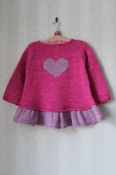 Baby Knitting Patterns Top Ravelry: Milainemicoton & # s ~ Tutu Top ~ Baby Knitting Patterns, Knitting For Kids, Crochet For Kids, Baby Patterns, Crochet Baby, Tutu Top, Tricot D'art, Pull Bebe, Baby Girl Sweaters