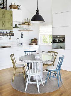 Kabel trommler som kjøkkenbord