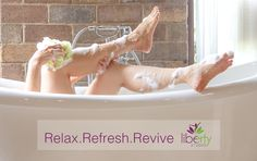 These natural detox bath recipes help naturally remove toxins from the body and boost health. They provide an easy and inexpensive way to boost your health! Detox Bath Recipe, Bath Detox, Natural Body Detox, Take A Shower, Alternative Medicine, Portal, Photos, Bathtub, Bath Recipes