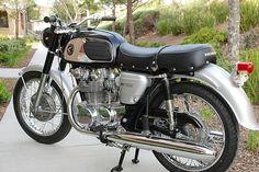 Twin Star: 1967 Honda CB450 K0 Black Bomber