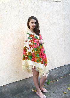 Vintage Ukrainian shawl russian shawl Russian Floral by bestLuba