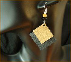 Orecchini di pelle - beige nero di Romeo und Julia - watches and jewellery su DaWanda.com